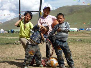 被災地チベットの子どもたち.jpg